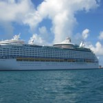 Explorer-of-the-Seas-Norwegian-Star-Bermuda-docked