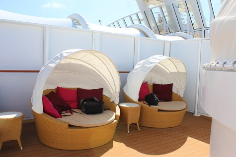 Cabanas-Norwegian-Getaway-Vibe-Club-TravelXena
