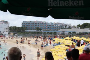 Maho-Beach-747-Take-Off-People-in-Water-TravelXena-1