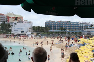 Maho-Beach-747-Take-Off-People-in-Water-TravelXena-4