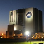 vab_vehicle_assembly_building_night_nasa_travelxena_2