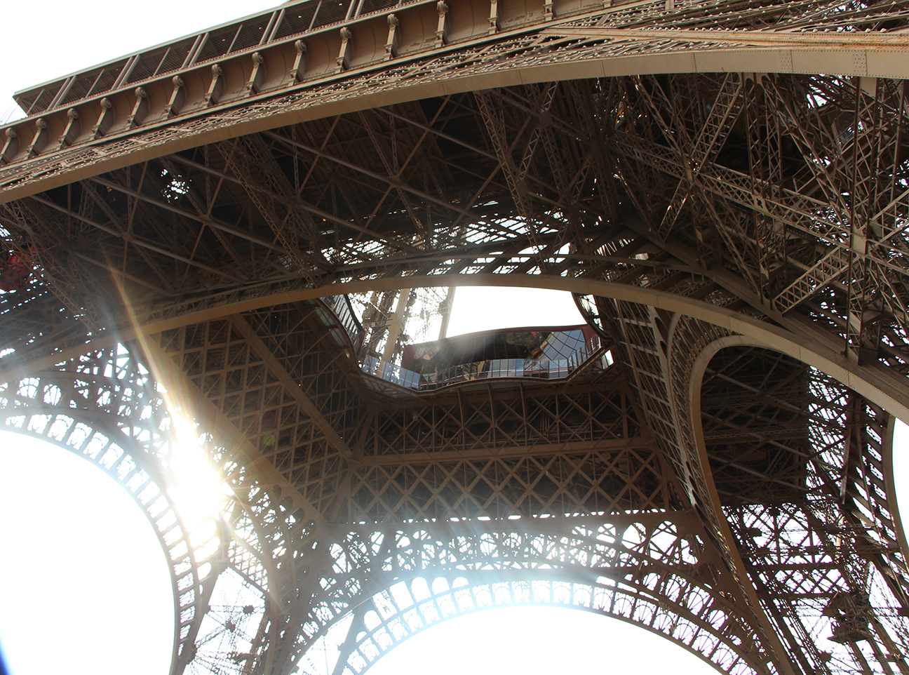 eiffel_tower_travelxena_3