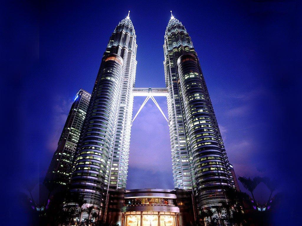 http://i0.wp.com/travelyuk.files.wordpress.com/2010/03/kuala-lumpur-petronas-tower.jpg
