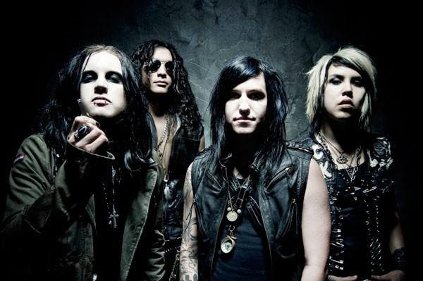 """Escape The Fate Escape The Fate Perform New Song """"Live Fast, Die Beautiful"""""""
