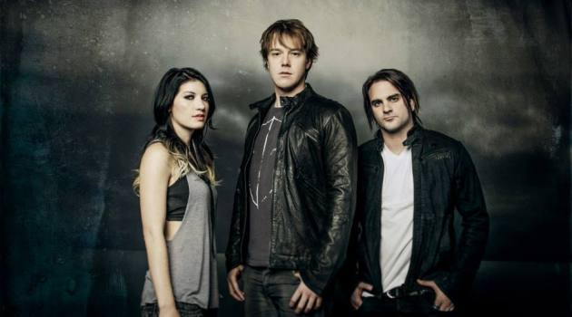 Frontman Shimon Moore Leaves Sick Puppies
