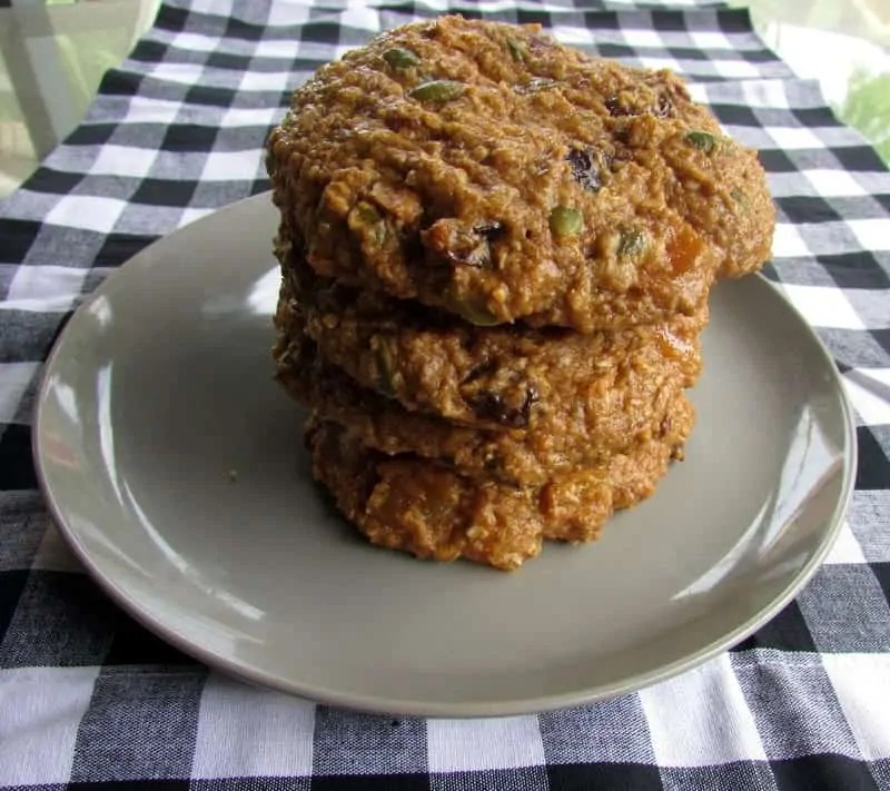 scottish oatmeal breakfast cookies via treble in the kitchen
