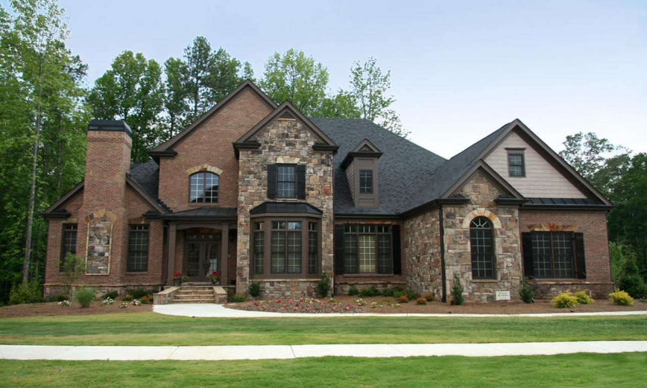 Brick And Stone Exterior Combinations Brick And Stone Exterior Exterior Stone Veneer Modern