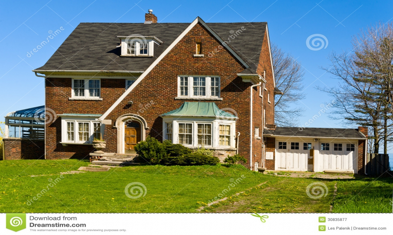 Beautiful Two Story House Beautiful Two Story With Balcony Two Story Brick Houses 2