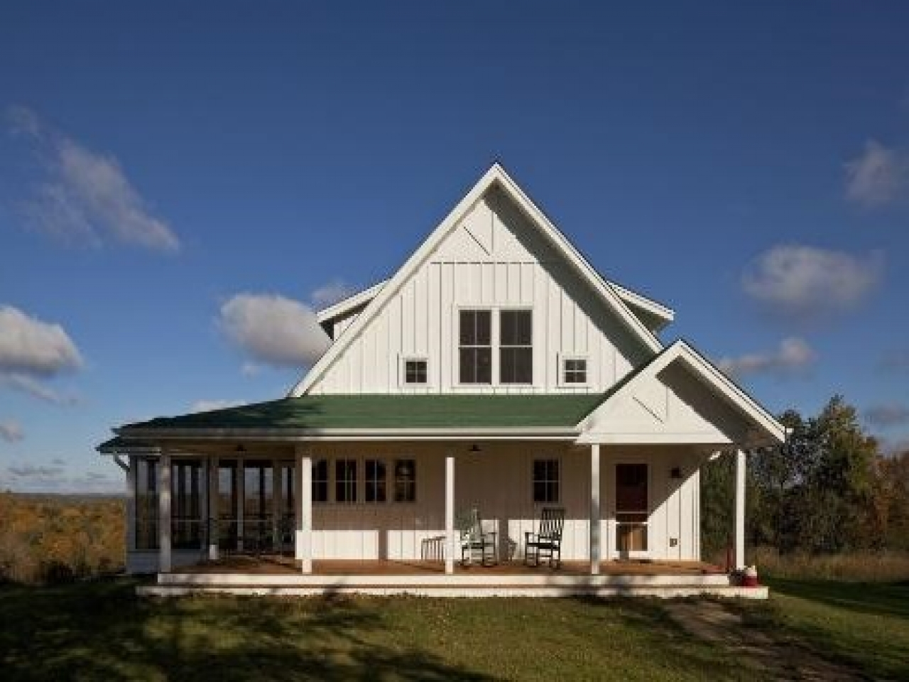 Standout Farmhouse Designs Single Story Farmhouse With Wrap Around Porch One Story
