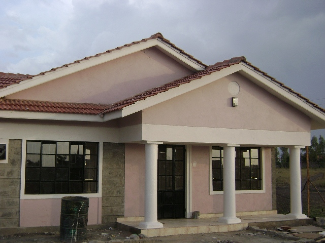 Small 3 Bedroom House Small Three Bedroom Villa Three Bedroom Bungalow House