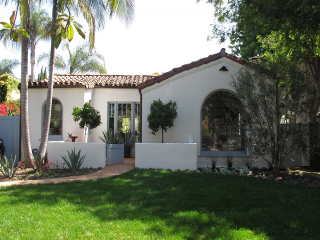 Spanish House Style Spanish Style Homes With Courtyards Small Spanish Style
