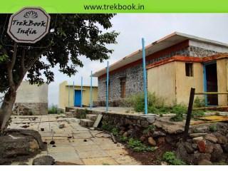 rooms not in good condition at Kalyangad Fort, Nandgiri Village, Satara