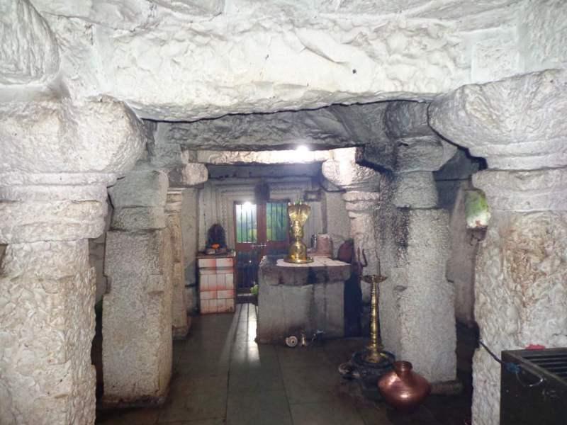 sanctum sanctorum Gabhara Raireshwar temple