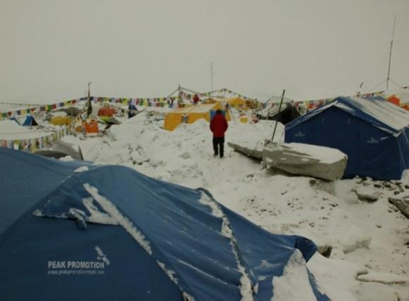 acampamento depois avalanche