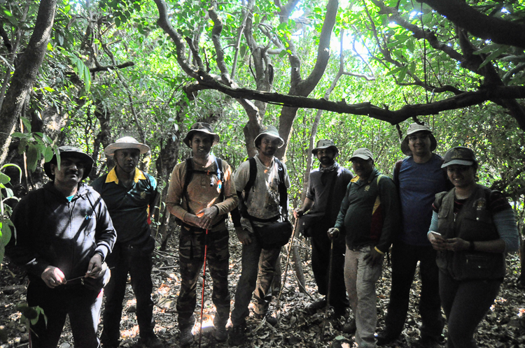 The group of jungle explorers. Can you spot me ? (Picture courtesy: Ravi Vaidyanathan)