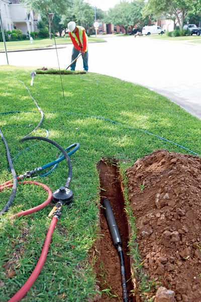 Using Earth-Piercing Tools to Install Up to 3,000 ft of Fiber-Optic