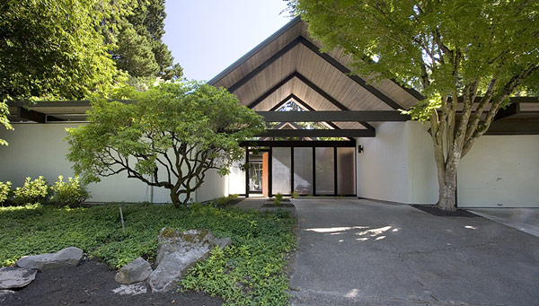 courtyard home designs gabled roof house sale modern house modern design homes sale luxury real estate