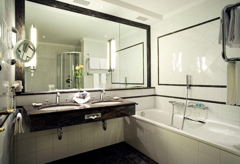 Moderne Badezimmer Fliesen Hohe Fliesen In Betonoptik Liegen
