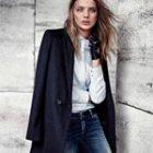 С чем носить синее или голубое пальто и где его купить?