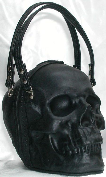 Кожаная сумка в виде черепа