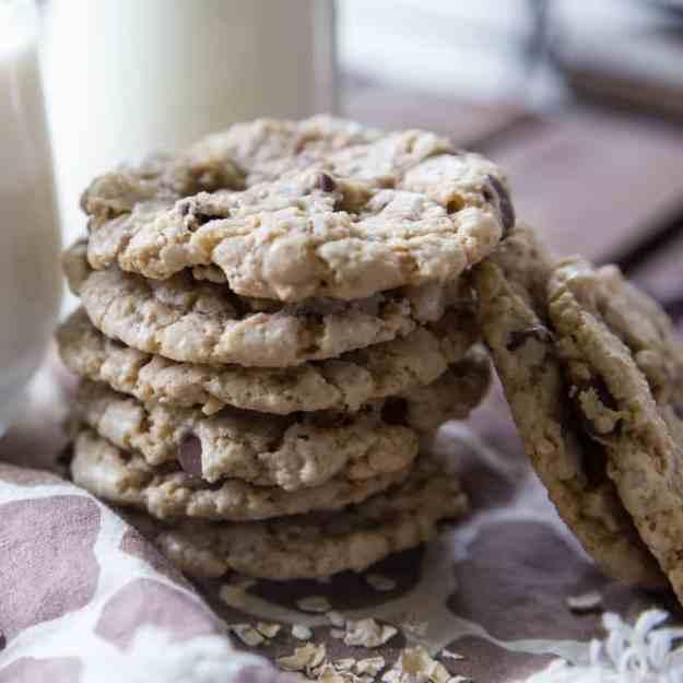 chocolate chunk cookies oatmeal dark chocolate and white chocolate ...