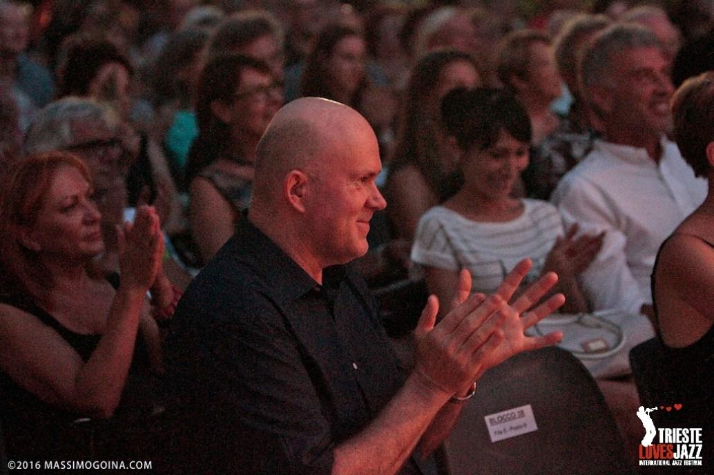 TriesteLovesJazz 2016 07 11. ANSELMO LUISI - Anselmo Luisi: body percussion - Come fare musica con il corpo, da soli su un palcoscenico? Con la voce, il canto, ma soprattutto con la gestualità ed i suoni della percussione sul corpo, la performance di Anselmo Luisi apre la decima edizione di TriesteLovesJazz. PH MassimoGoina.com