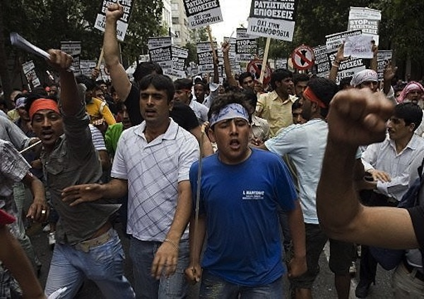 muslim-migrants-demonstrate-in-central-athens1