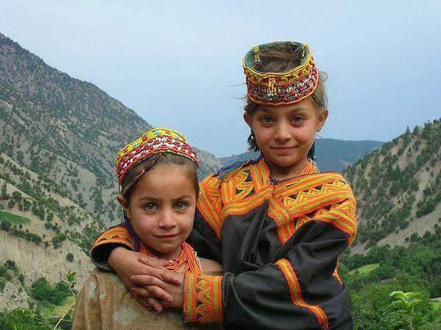 Afghan Girl Eyes Wallpaper Kalash People The Indo Aryan Pagans Of Pakistan