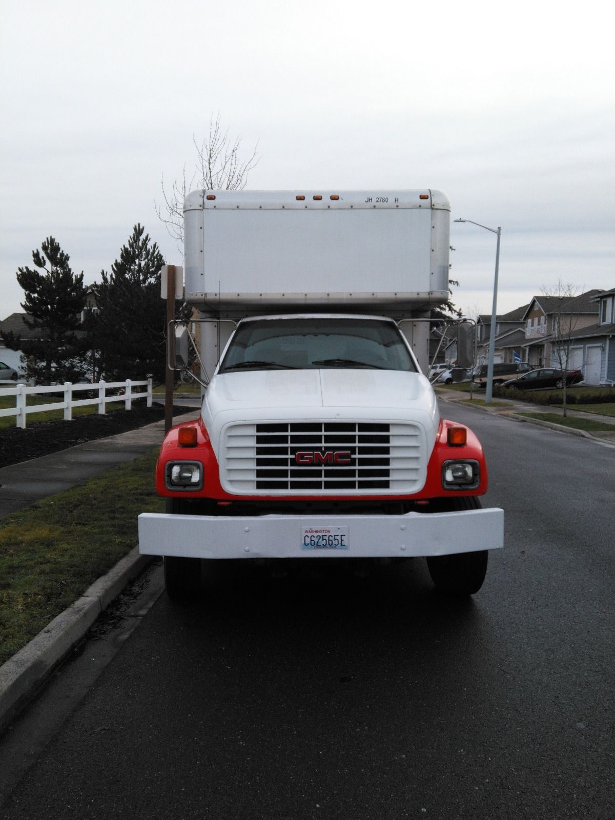 Camano Island Dump 2000 Gmc 26 Foot Box Truck For Sale