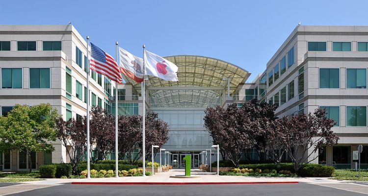 800px-Apple_Headquarters_in_Cupertino