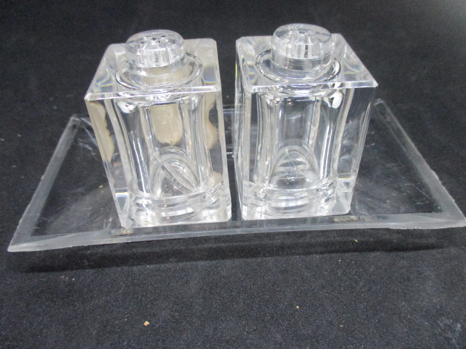 Modern Salt Pepper Shakers Fantastic Mid Century Modern Lucite Square Salt Pepper Shakers Lucite Tray Decor Collectible Display Tableware Kitchen Farmhouse Cottage