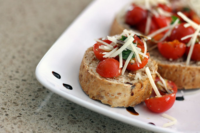 Healthy Bruschetta with Balsamic Glaze