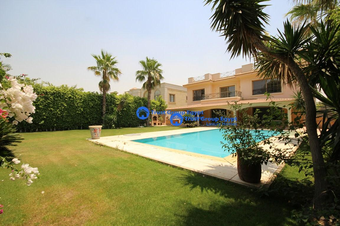 Pool With R Looking For A Modern Villa With Private Swimming Pool For R 4144