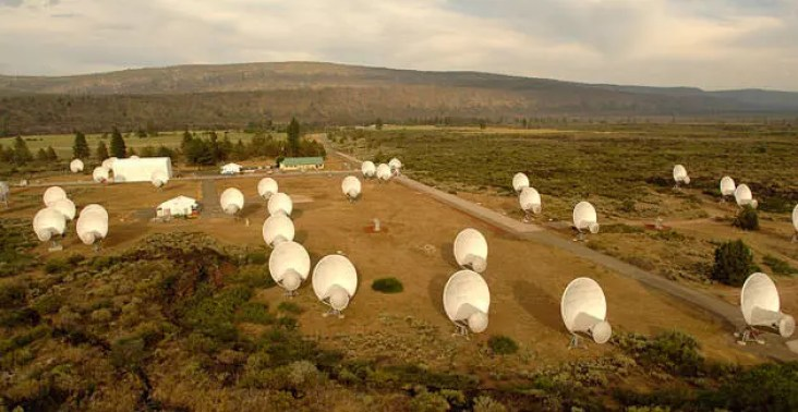 Allen Telescope Array. Crédit : ATA