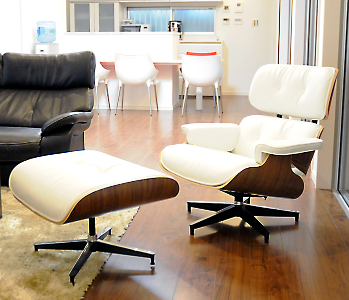Auc Pleasure0905 Eames Lounge Chair And Ottoman Set