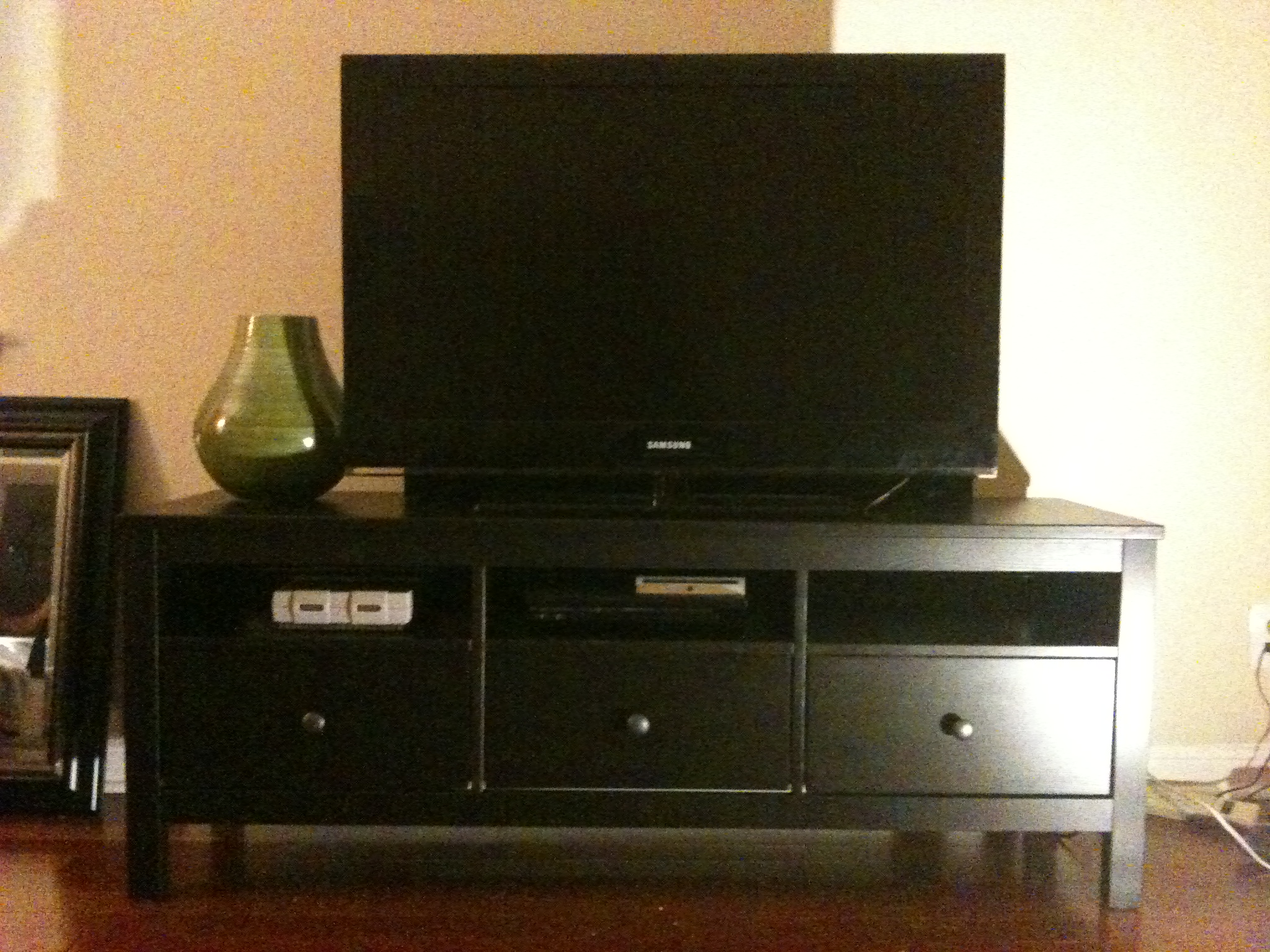 Hemnes Tv Stand Tsukaberk | A Day And A Life