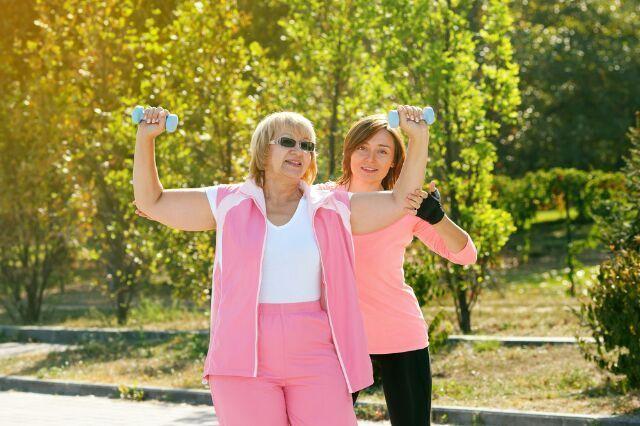 mujeres ejercicio fisico