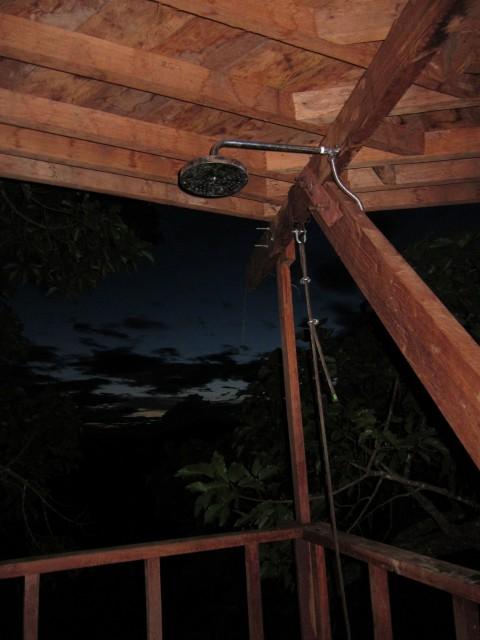 Treehouse open shower