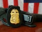 fbi-znacka-pistolj