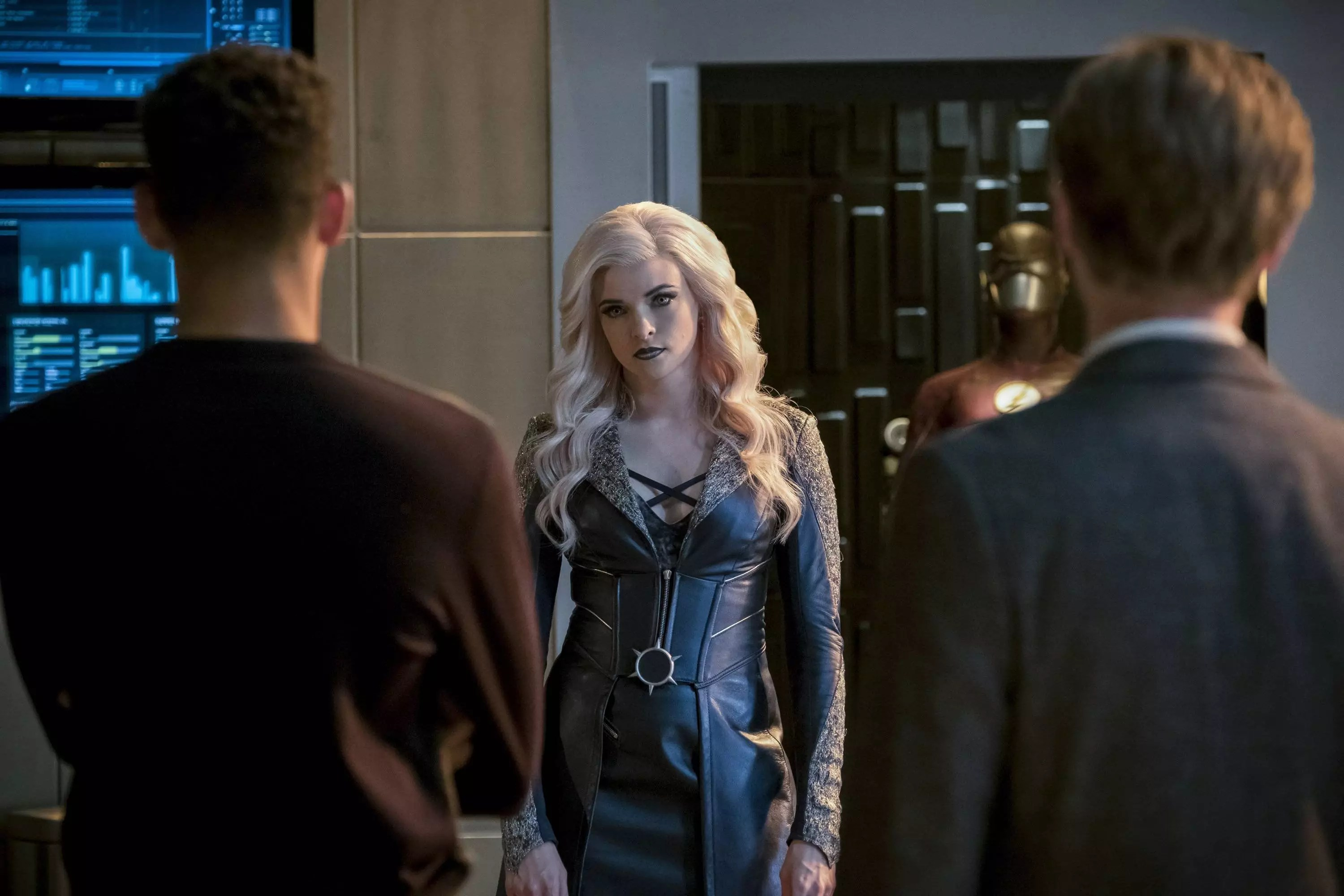 3 Flash Killer Frost Comments On Julian S Absence In The Flash Season 4