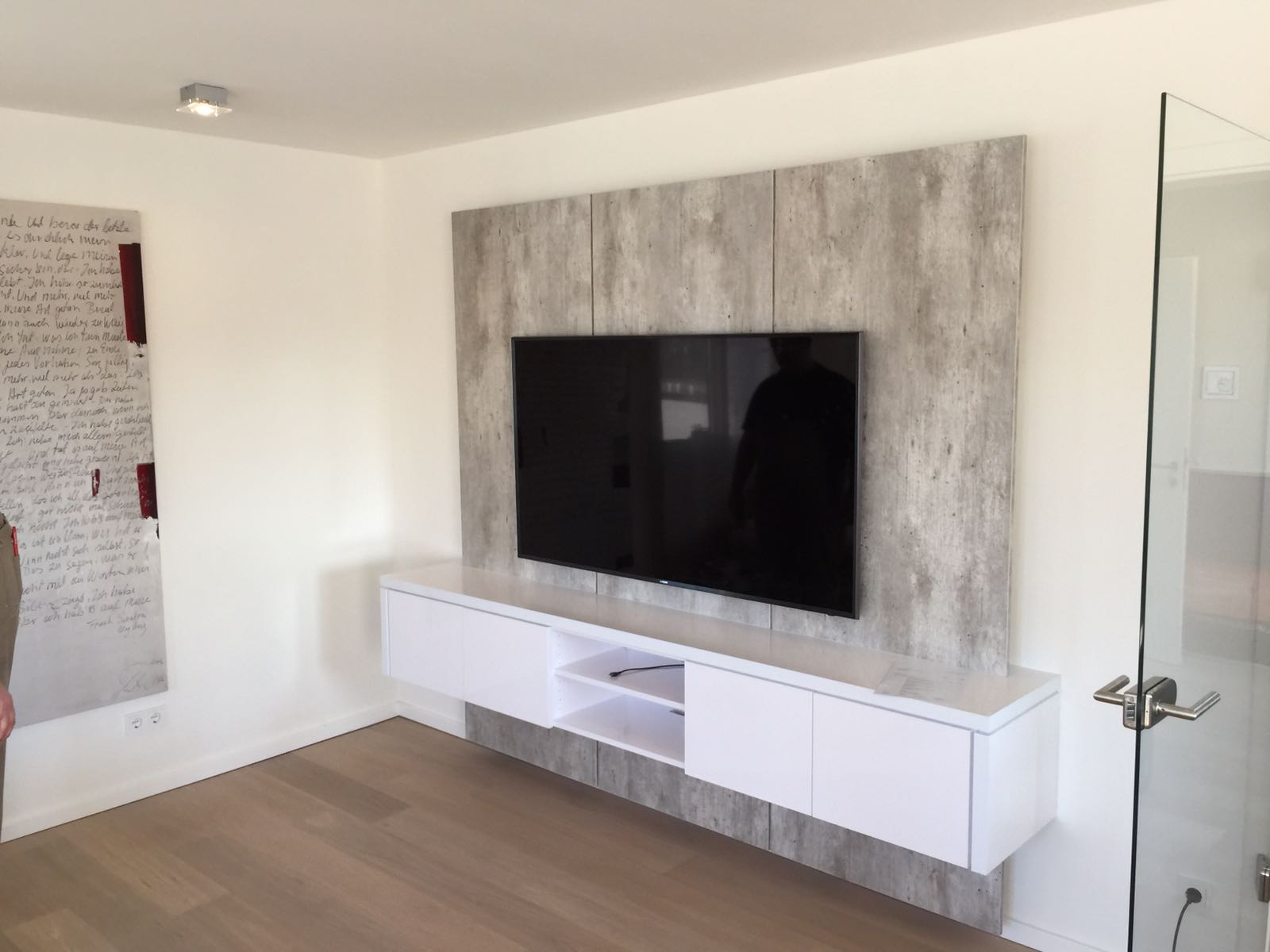 Tv Wand Xxl Tv Wand Xxl In Betonoptik Für Kunden In Solingen Tv Wall