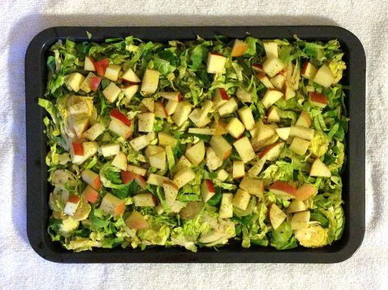 brussels:apples in pan