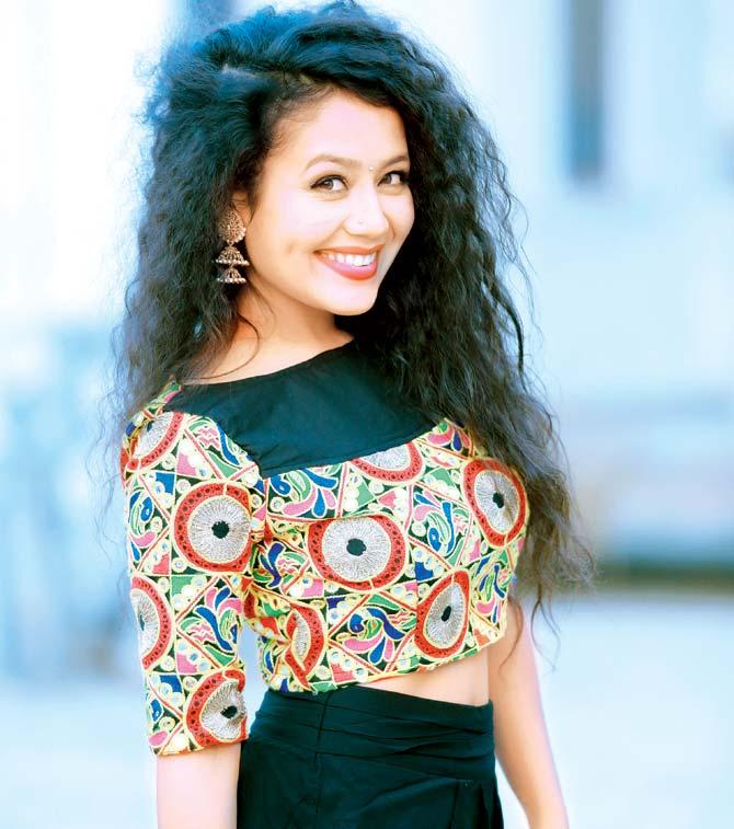 Alone Girl Wallpapers For Dp Neha Kakkar Wiki Bio Age Profile Boyfriend Full Details