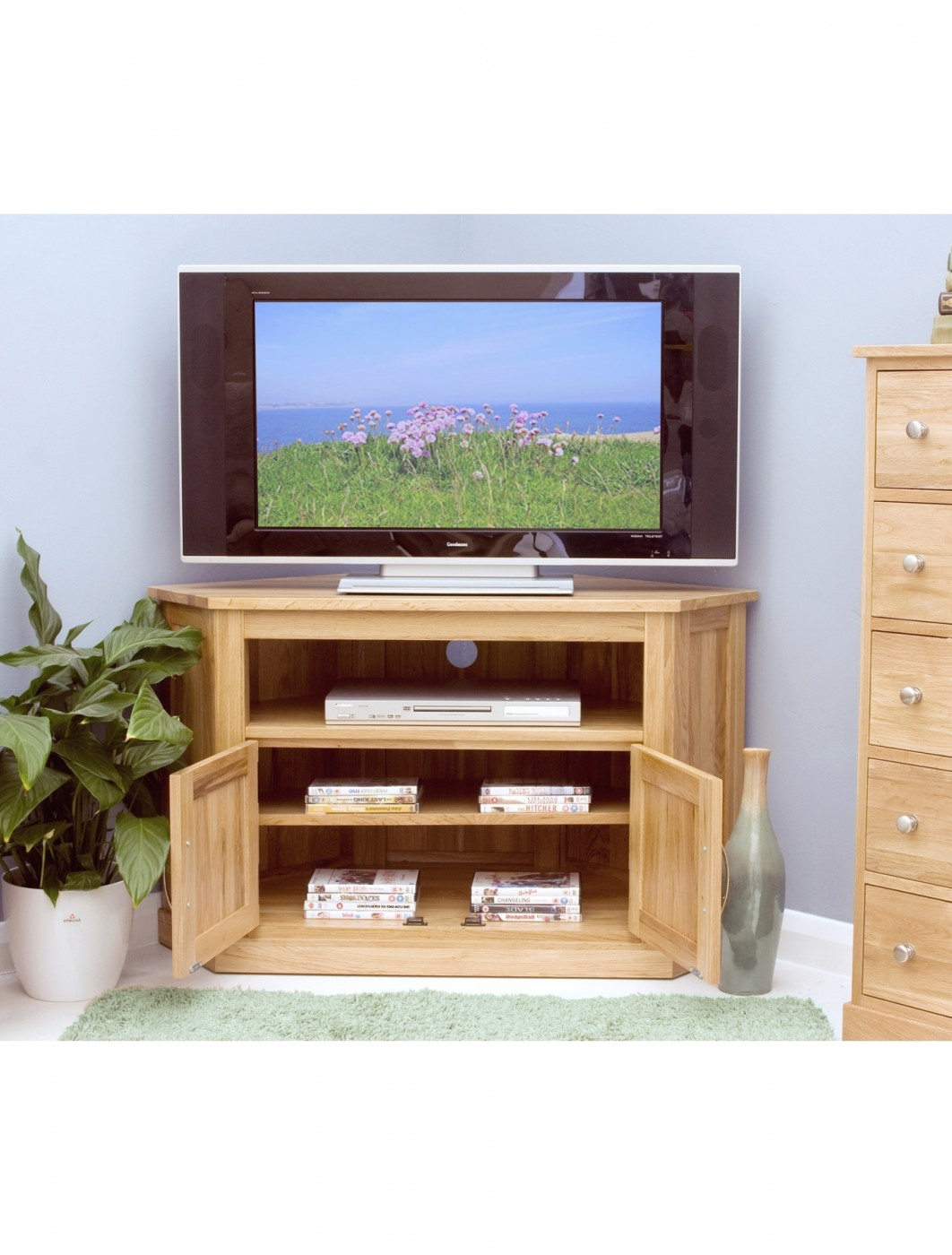 baumhaus mobel oak corner tv cabinet cor09c 121 tv mounts