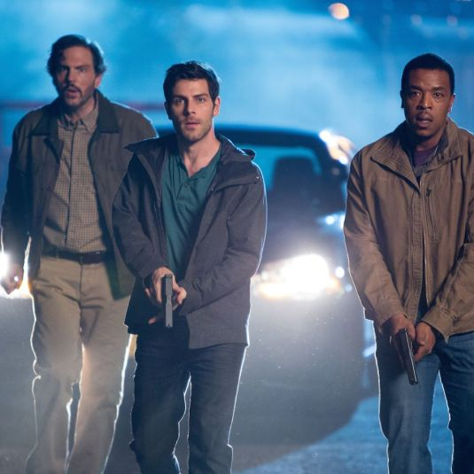 Monroe, Nick and Hank are armed on Grimm