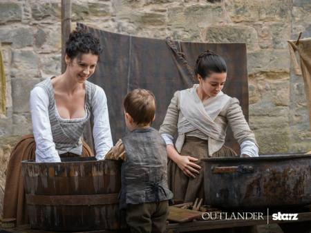 Claire and Jenny Outlander