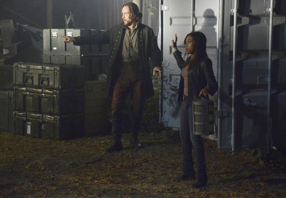 Ichabod  and Abbie retrieve a lantern on Sleepy Hollow