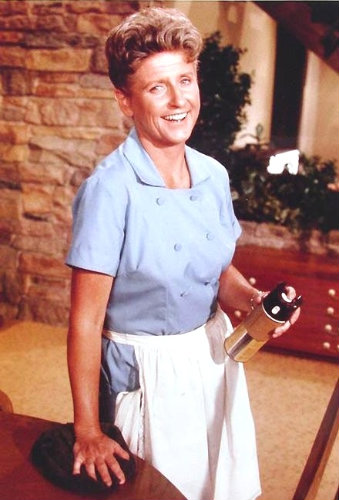 Ann B. Davis of The Brady Bunch dies