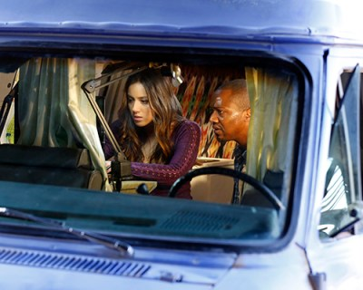 Skye (Chloe Bennet) tries to help Michael (guest star J. August Richards) escape his predicament. Photo Credit: Justin Lubin/ABC