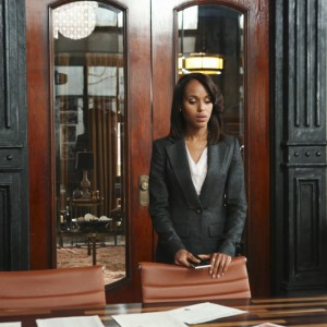 """SCANDAL - """"Guess Who's Coming to Dinner"""" - Through flashbacks we learn more about Olivia's estranged relationship with her father. Meanwhile, both the White House and  Pope & Associates are still in the middle of cleaning up the very big and very public mess they created, on """"Scandal,"""" THURSDAY OCTOBER 10 (10:00-11:00 p.m., ET) on the ABC Television Network. (ABC/Danny Feld) KERRY WASHINGTON"""